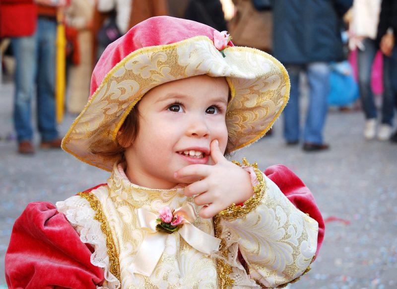creare una maschara di carnevale per bambini