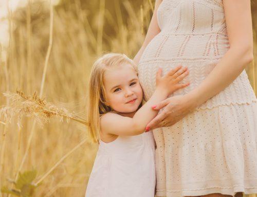 Fratellino o sorellina in arrivo: 8 spunti su come comportarsi con il primogenito