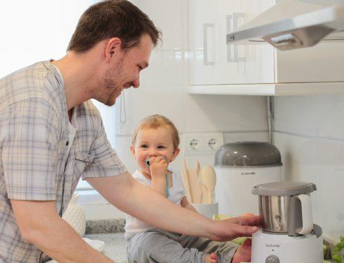 Cucinare e mangiare insieme: come coinvolgere i bimbi nella preparazione dei cibi