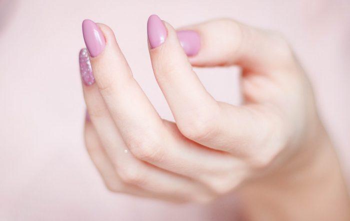 cura-mani-piedi-manicure-gravidanza