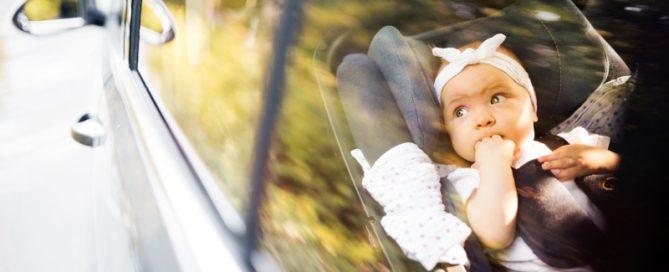 viaggi-lunghi-in-auto-con-bambini-SUAVINEX